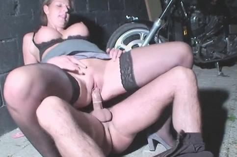 Vrouw vingert man prive sex thuis